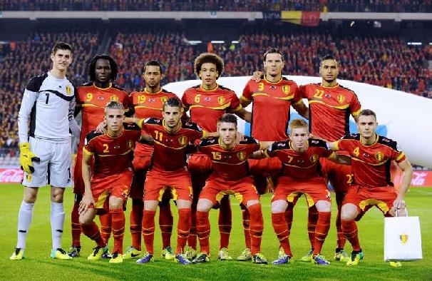Belgians-team-players-pose-for-a-group-picture-at-King-Baudouin-stadium-in-Brussels-on-October-15-2013-AFP-PhotoJohn-Thys.jpg