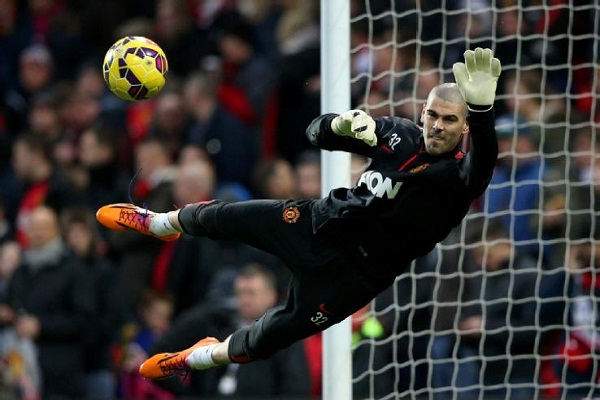 Sevilla Says Víctor Valdés Is Not an Option