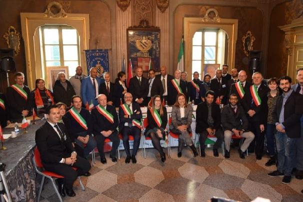 18-Italian-Mayors-Declare-Support-for-Morocco's-Autonomy-Plan-640x427.jpg