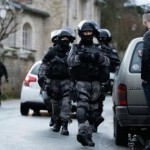 611882frenchpolice-265677929611882.png
