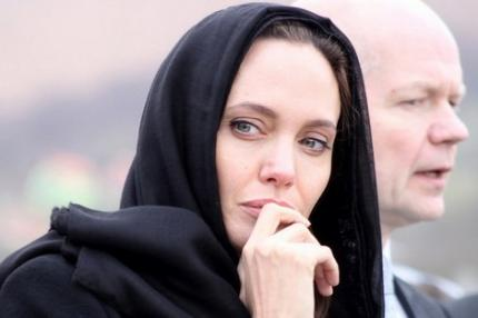 791853Angelina-Jolie-611829004791853.png