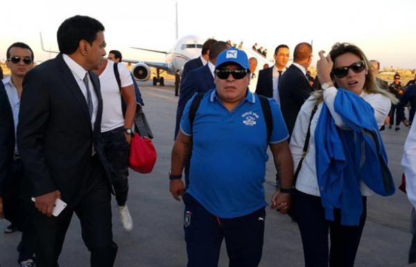 836489thumbnail-php-qfile-Diego-Maradona-402323061-jpg-asize-article-large-pagespeed-ce-tZwFGo6mQ9836489.png